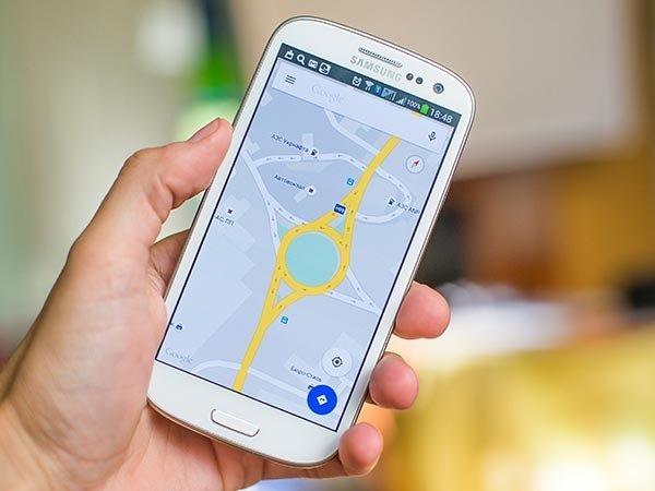 2017 થી ઇન્ડિયા માં બધા જ ફોન મા પેનિક બટન હોવા જરૂરી છે