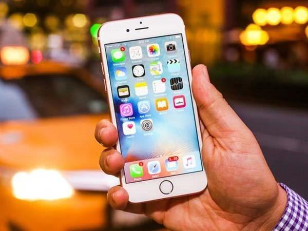 જાણો તમારો આઈફોન 6s ની બેટરી ફ્રી માં રીપ્લેસ કરી શકશો કે નહિ