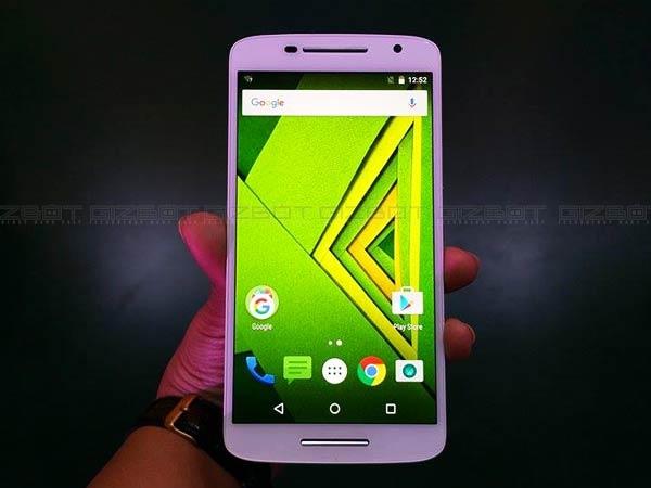 મોટો એક્સ પ્લે સ્માર્ટફોનમાં એન્ડ્રોઇડ 7.1 નોગૅટ અપડેટ મળી શકે છે.