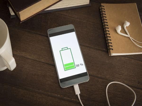 આ સિમ્પલ ટ્રિક્સ દ્વારા તમારા સ્માર્ટફોન ને ઝડપ થી ચાર્જ કરો