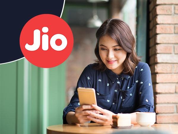 2020 સુધી ભારતના અડધા ઈન્ટરનેટ યુઝર્સ ગ્રામિણ હશે અને 40% સ્ત્રીઓ હશે