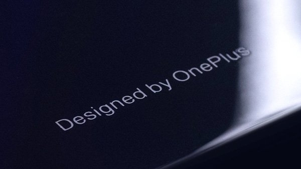 વનપ્લસ 6 સ્માર્ટફોન ગ્લાસ બેક સાથે આવશે તેવું કન્ફર્મ