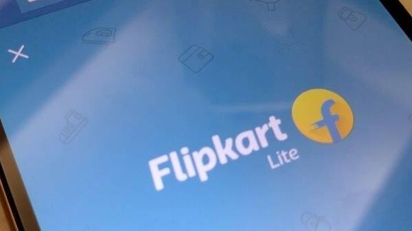 Flipkart કો બ્રાન્ડેડ ક્રેડિટ કાર્ડ અને એક્સિસ બેન્ક અને માસ્તર કાર્ડ ની સાથે ભાગીદારીમાં લોન્ચ કરવામાં આવ્યું