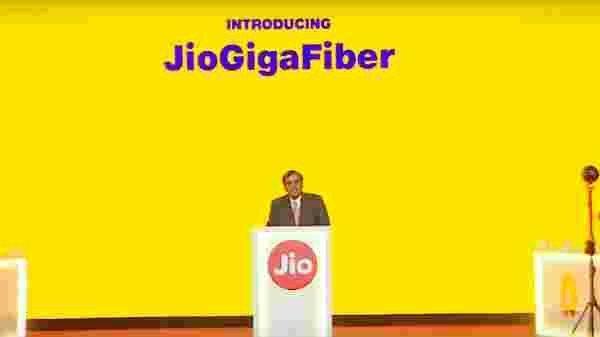 Reliance jio 50 એમબીપીએસ jio gigafiber રૂપિયા 2500 આપી રહ્યું છે