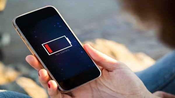 કયા કારણોને લીધે તમારા સ્માર્ટફોન ની બેટરી જલ્દી ડ્રેન થાય છે